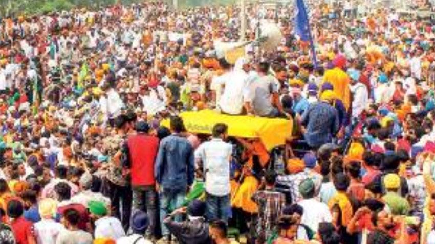 Farmers block roads, railway tracks over farmers bill in India